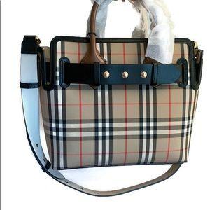 BRAND New! Burberry Vintage Check Medium Belt Bag